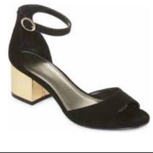 NWOT Worthington Ischia Black/Gold Heel- 8.5